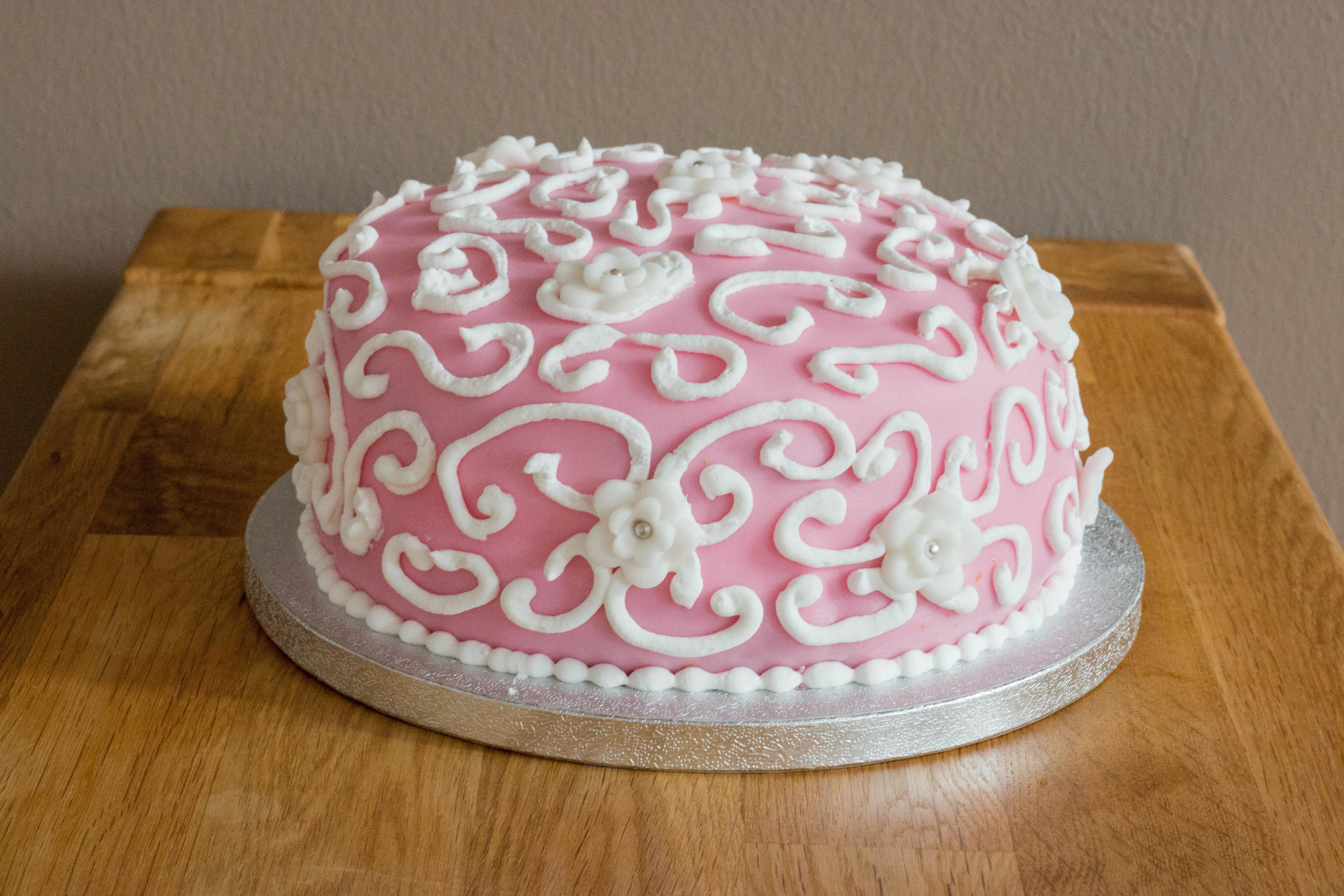 Royal Icing Blümchen Torte