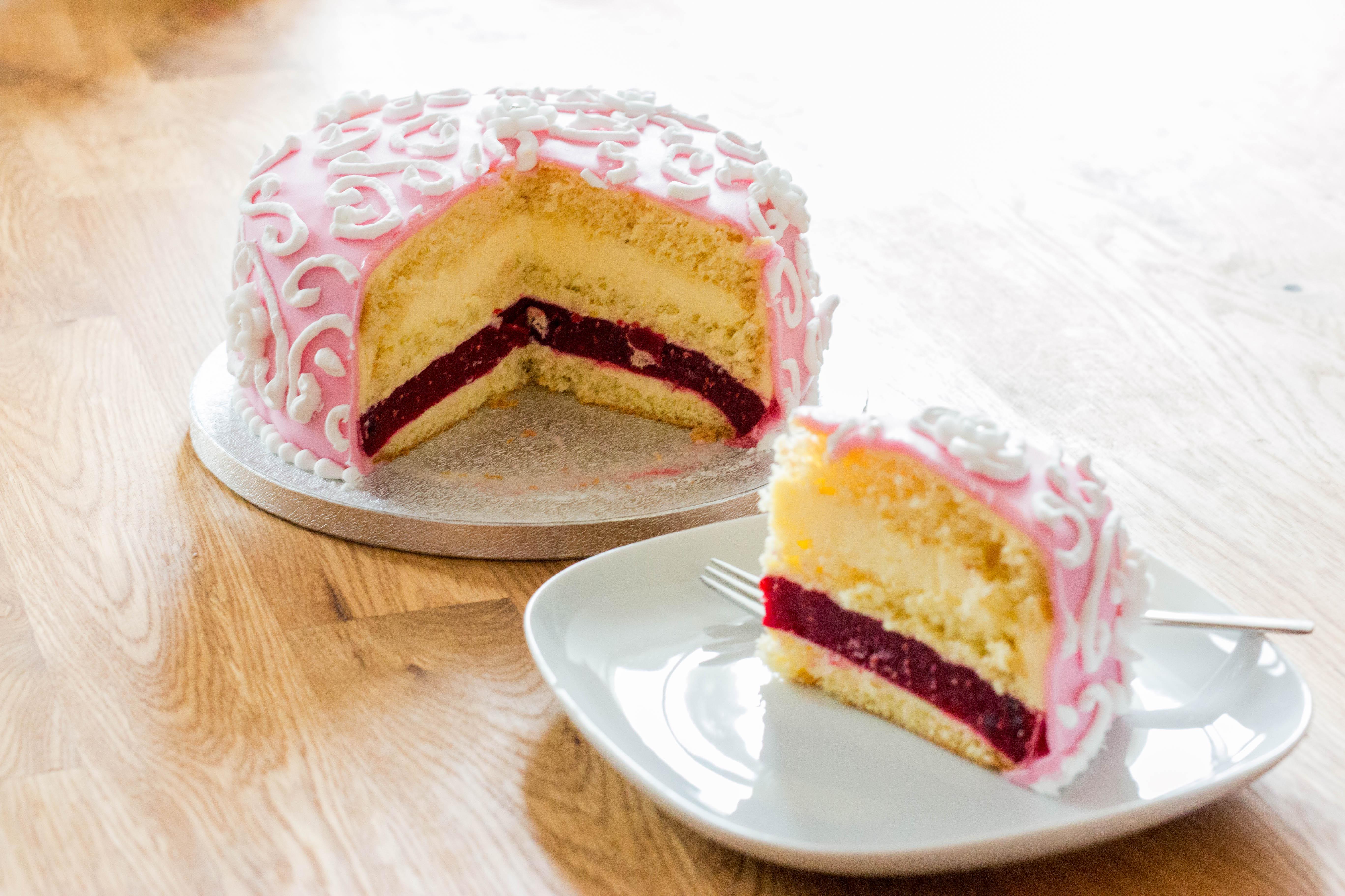 Pfirsich-Maracuja-Blümchen-Torte
